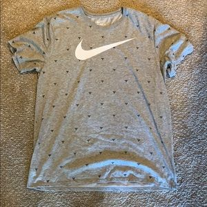 Grey Nike cotton t-shirt with black pattern